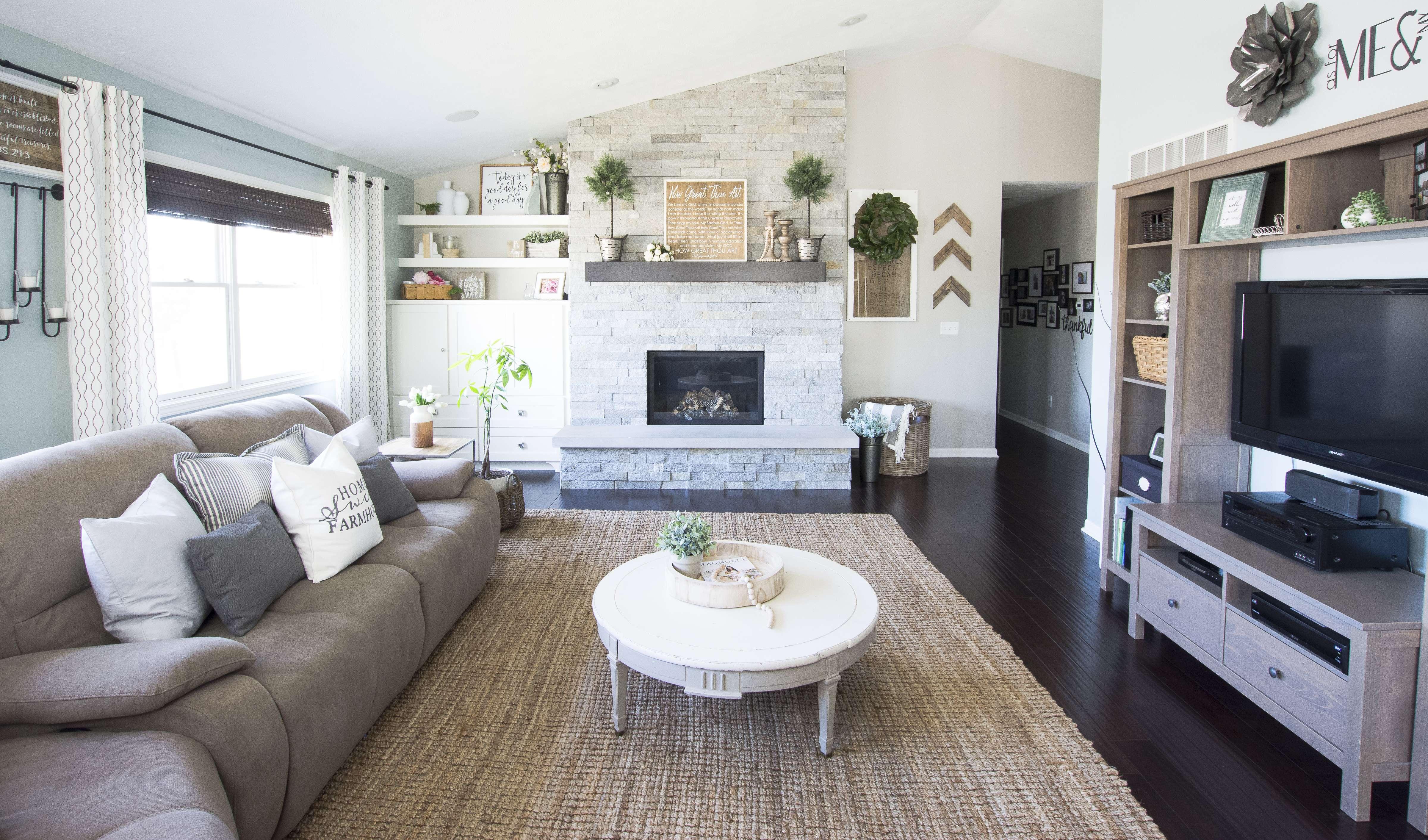 spring-home-tour-living-room-2017-graceinmyspace-com