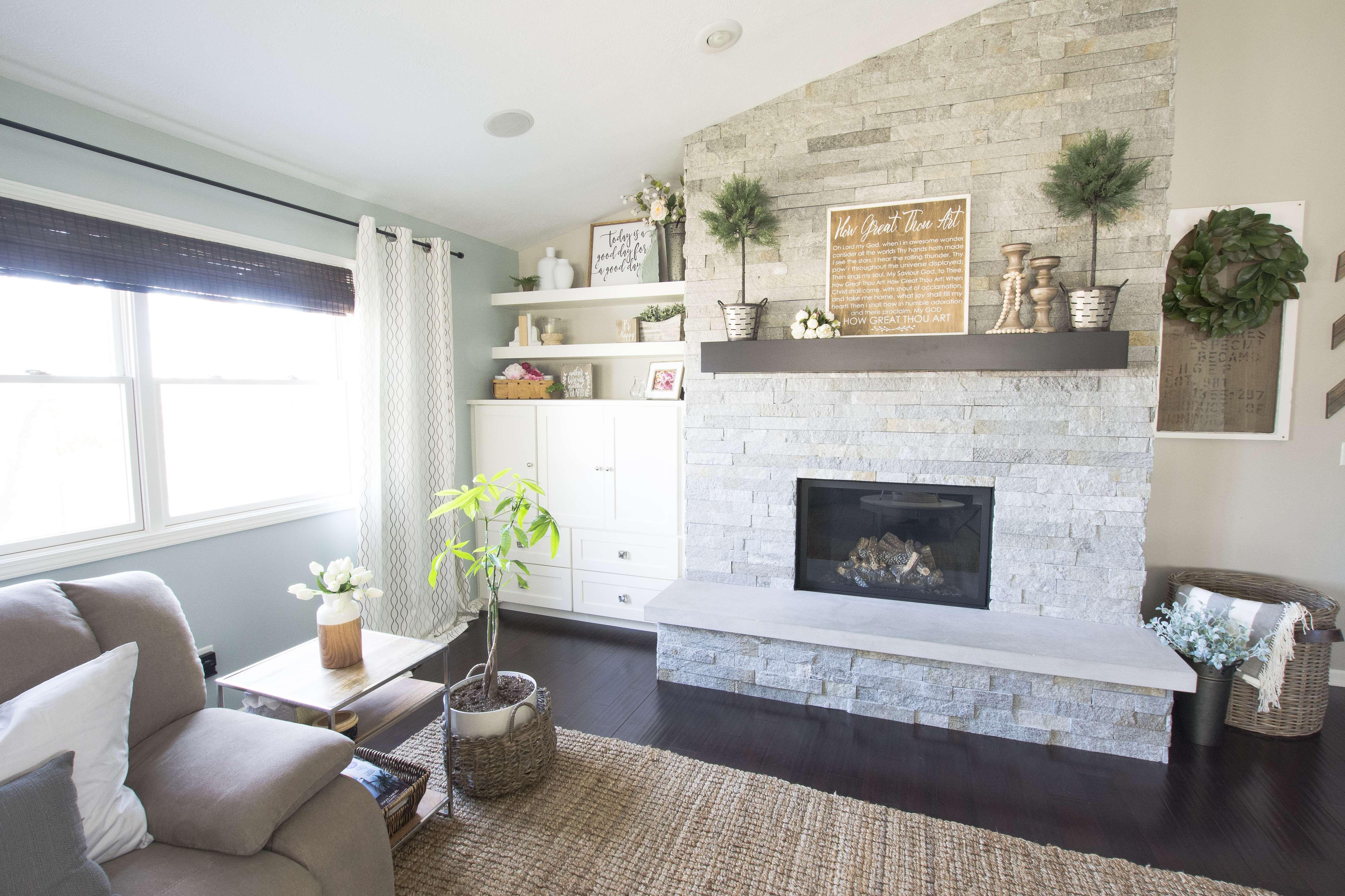 spring-home-tour-living-room-fireplace-2017-graceinmyspace-com
