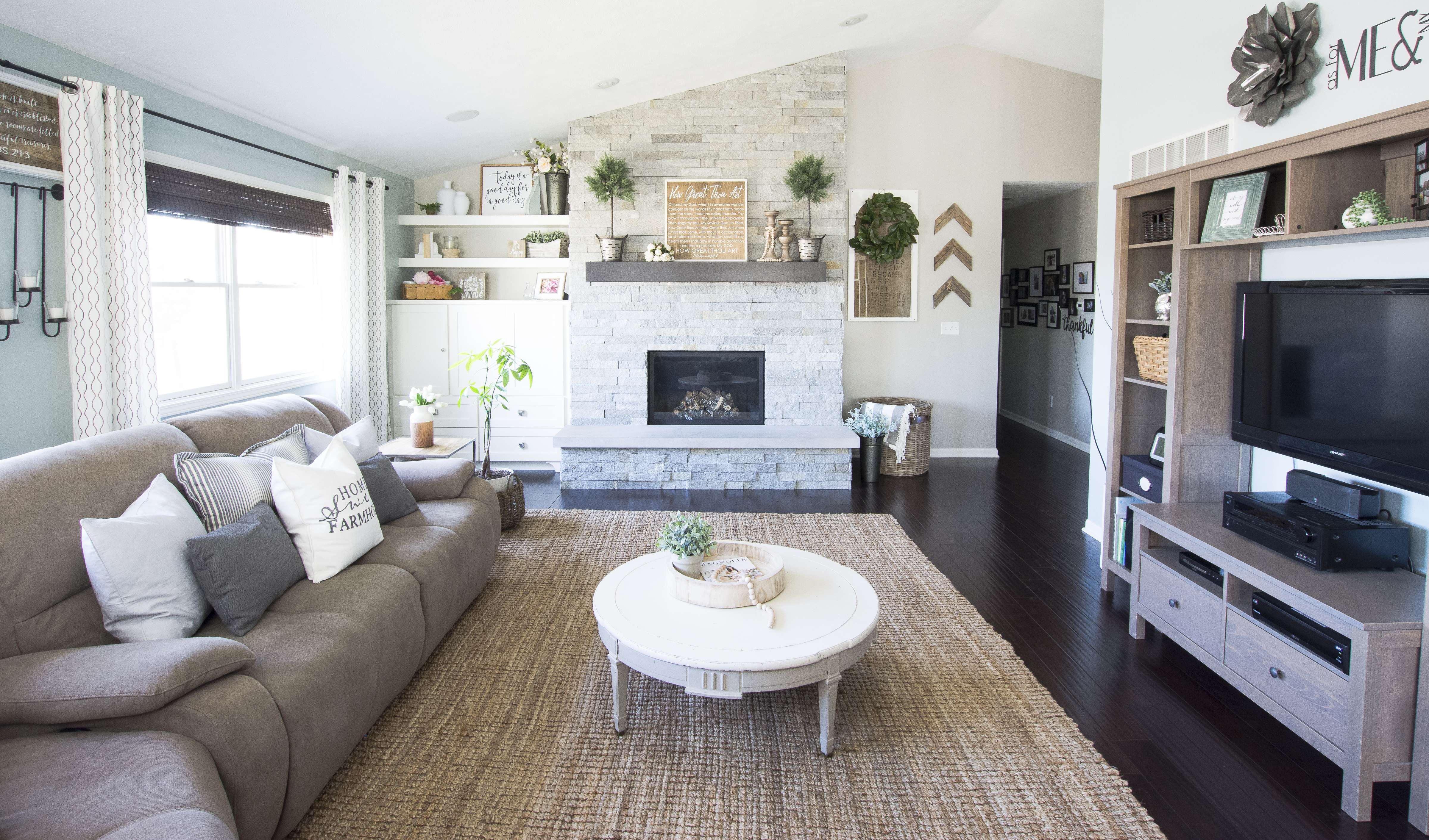 spring-home-tour-living-room-2017-graceinmyspace-com