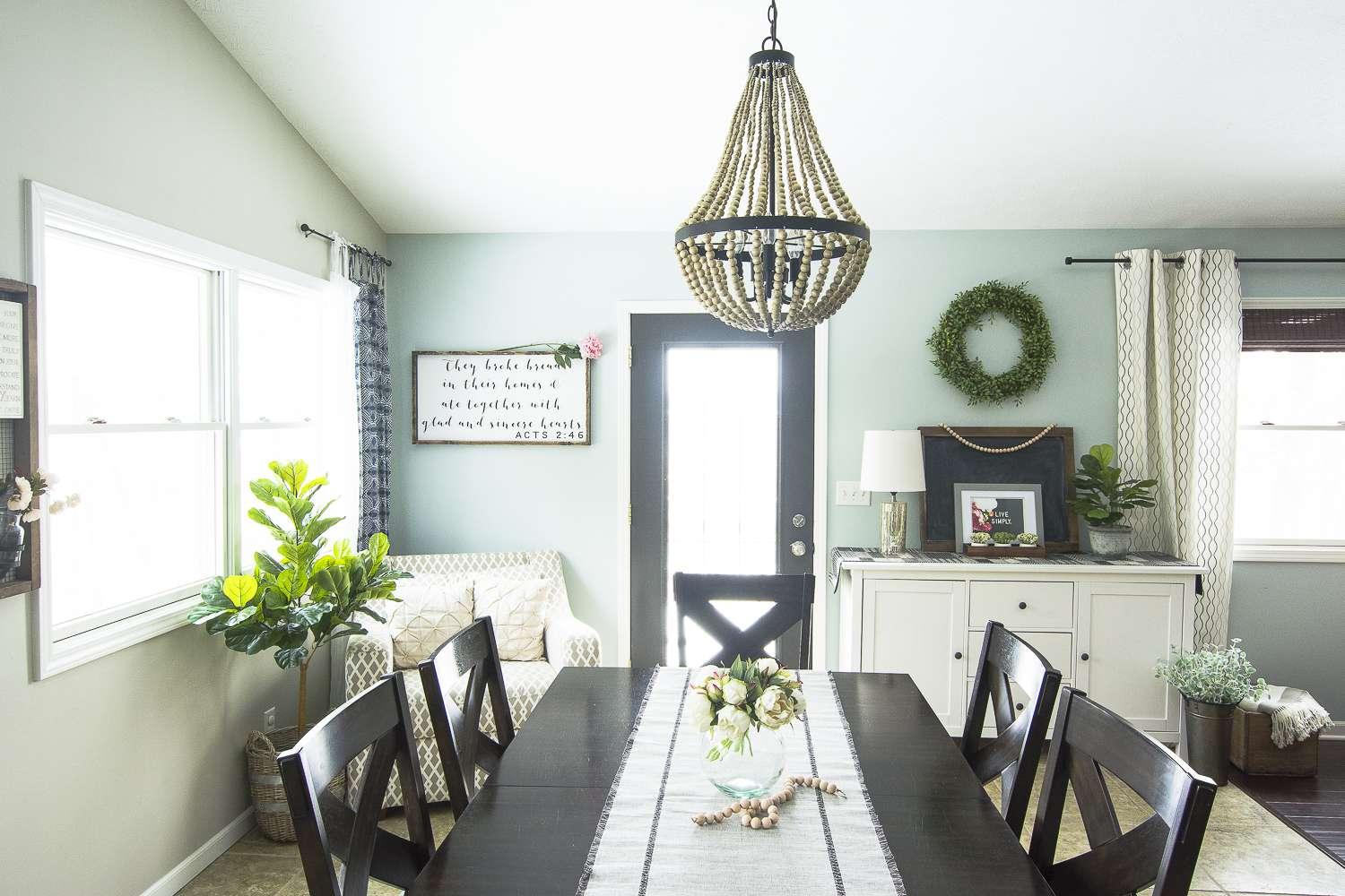 If you're looking for spring home decor ideas then I have some quick and simple ways to incorporate spring into your every day decor. Come tour my home for spring!