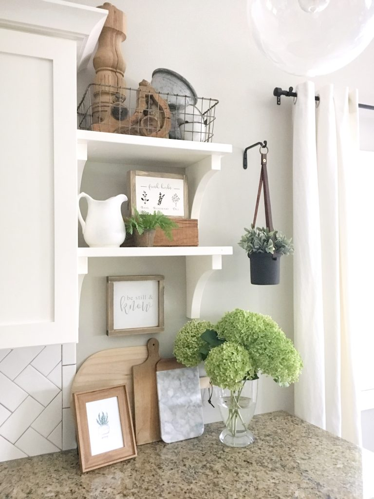 Incorporate scripture into your home decor with simple and beautiful signs for a modern farmhouse style.