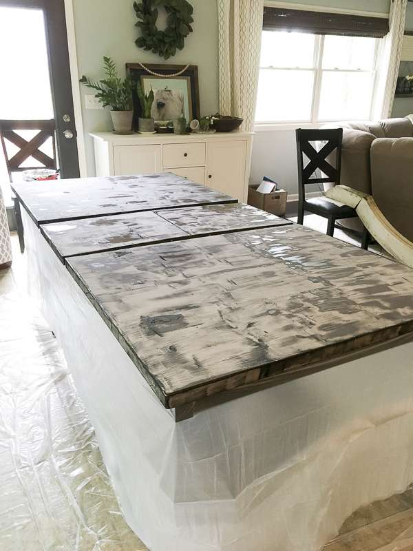 How to apply stripping gel to refinish a table