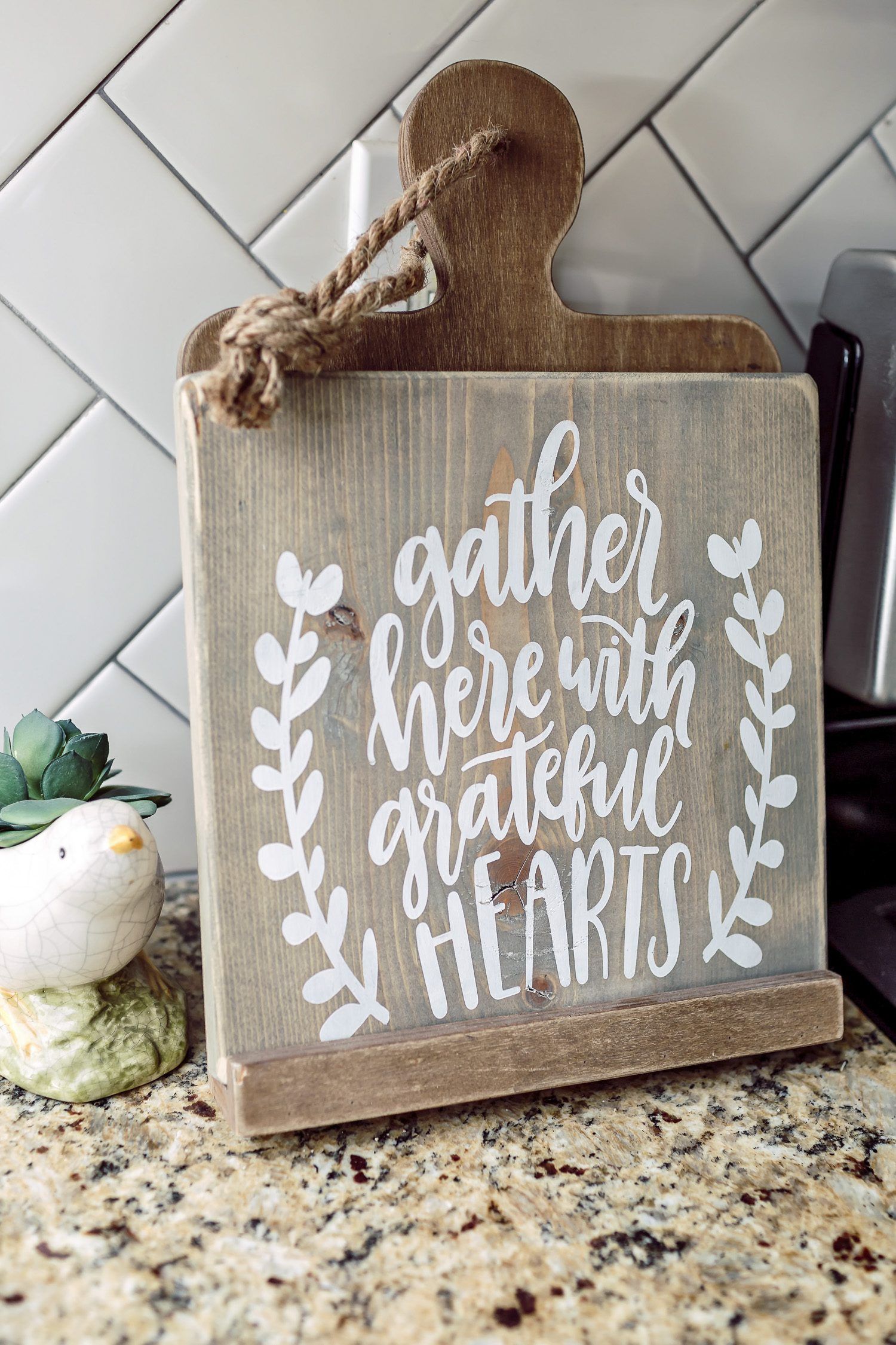 Have you wondered where to get beautifully handcrafted home decor? I've rounded up my favorite sign makers, making it easy to add character to your home.
