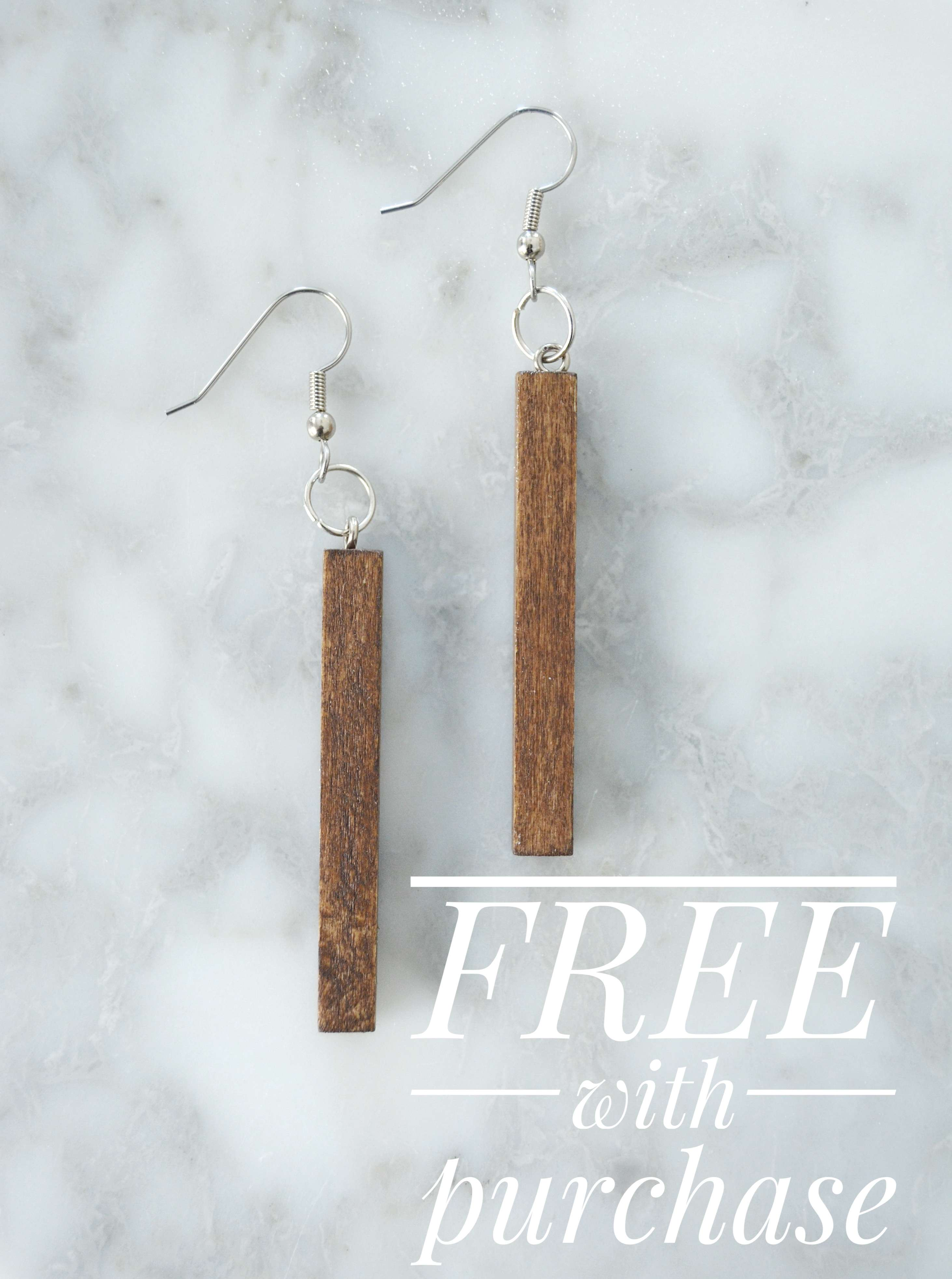 The Grace In My Space Jewelry Collection has arrived! I'm loving the natural elements of wood, marble and leather combinations that have been incorporated into this gorgeous modern farmhouse jewelry collection in collaboration with Dandelions in December.
