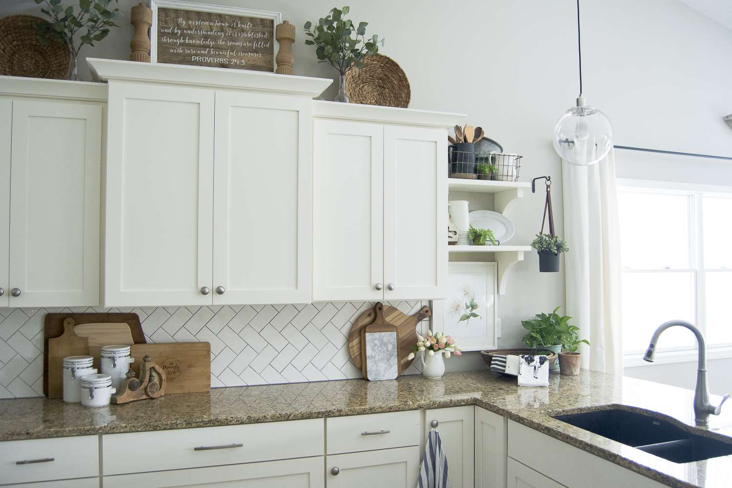 Are You Looking For Pretty And Practical Spring Kitchen Decor Ideas Here Some Sure