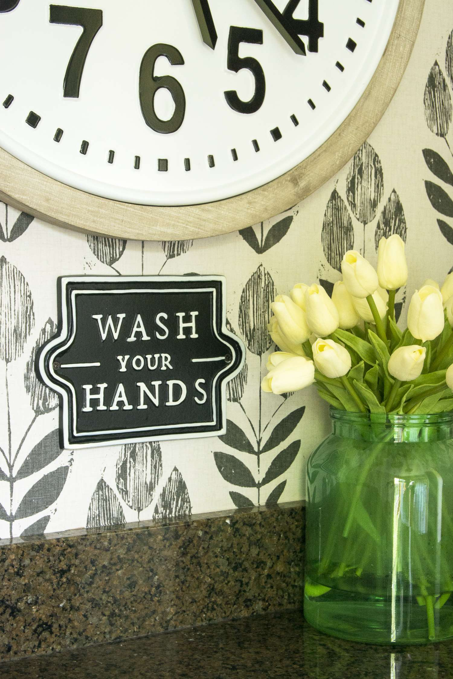 Ready to make your guest bathroom beautiful and functional? Read simple tips for using statement pieces to make a big impact in a guest bathroom makeover!