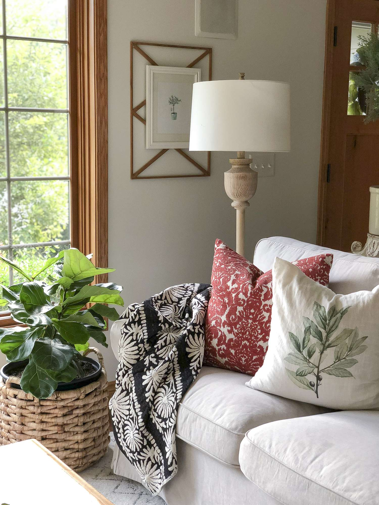 As summer eases into fall I've gathered some beautiful decor that spans the seasons! It's all about transitioning home decor from summer to fall with ease.