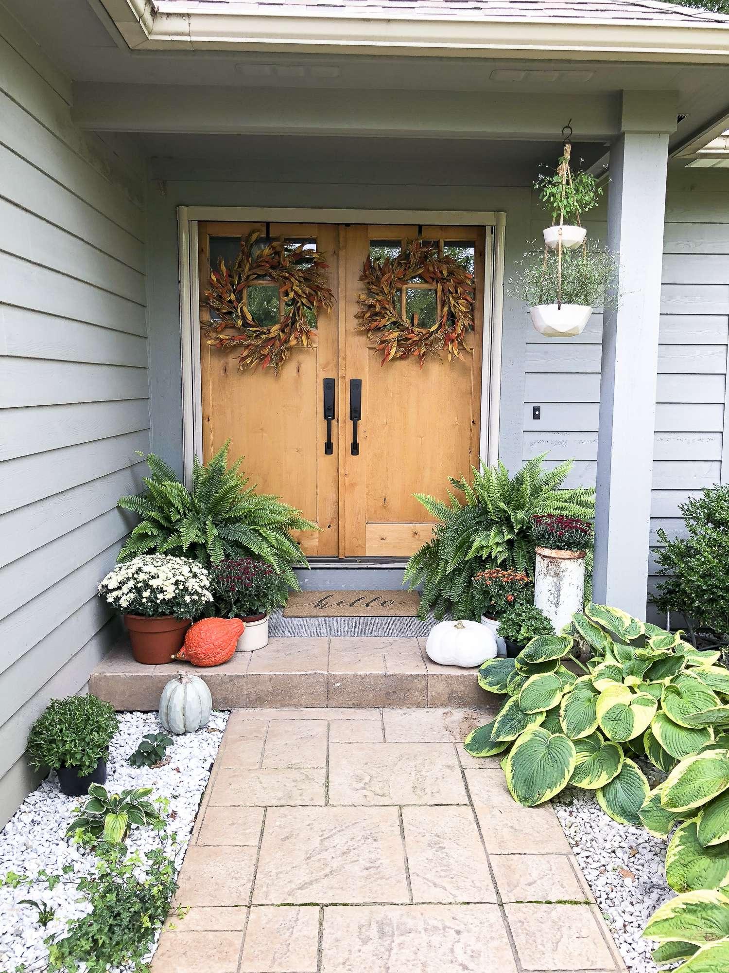 Simple Porch Entryway Fall Decor