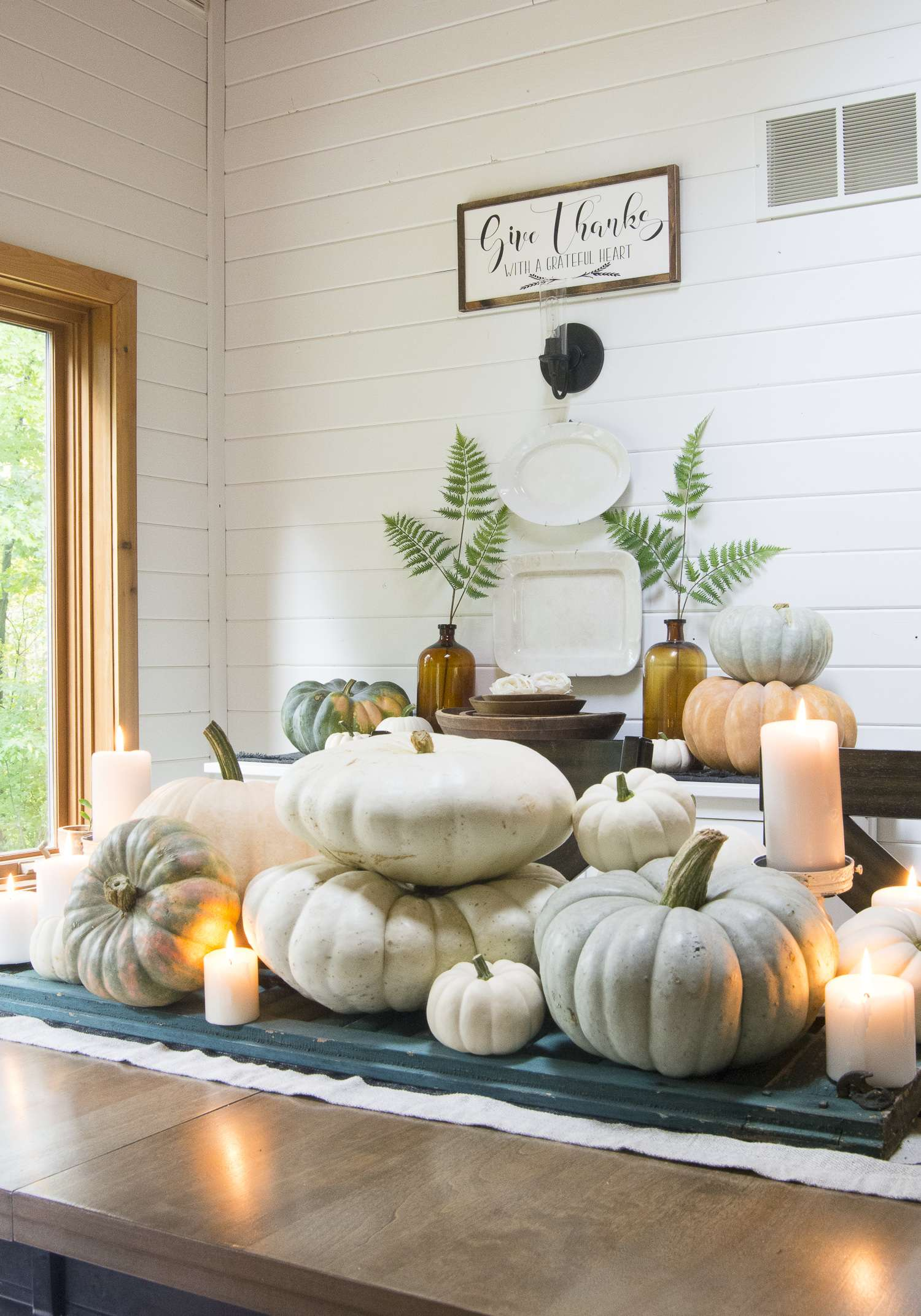 Do you need new ideas for beautiful dining room decor without all the fuss? Click here to see two simple ways to create a styled fall dining room with ease.