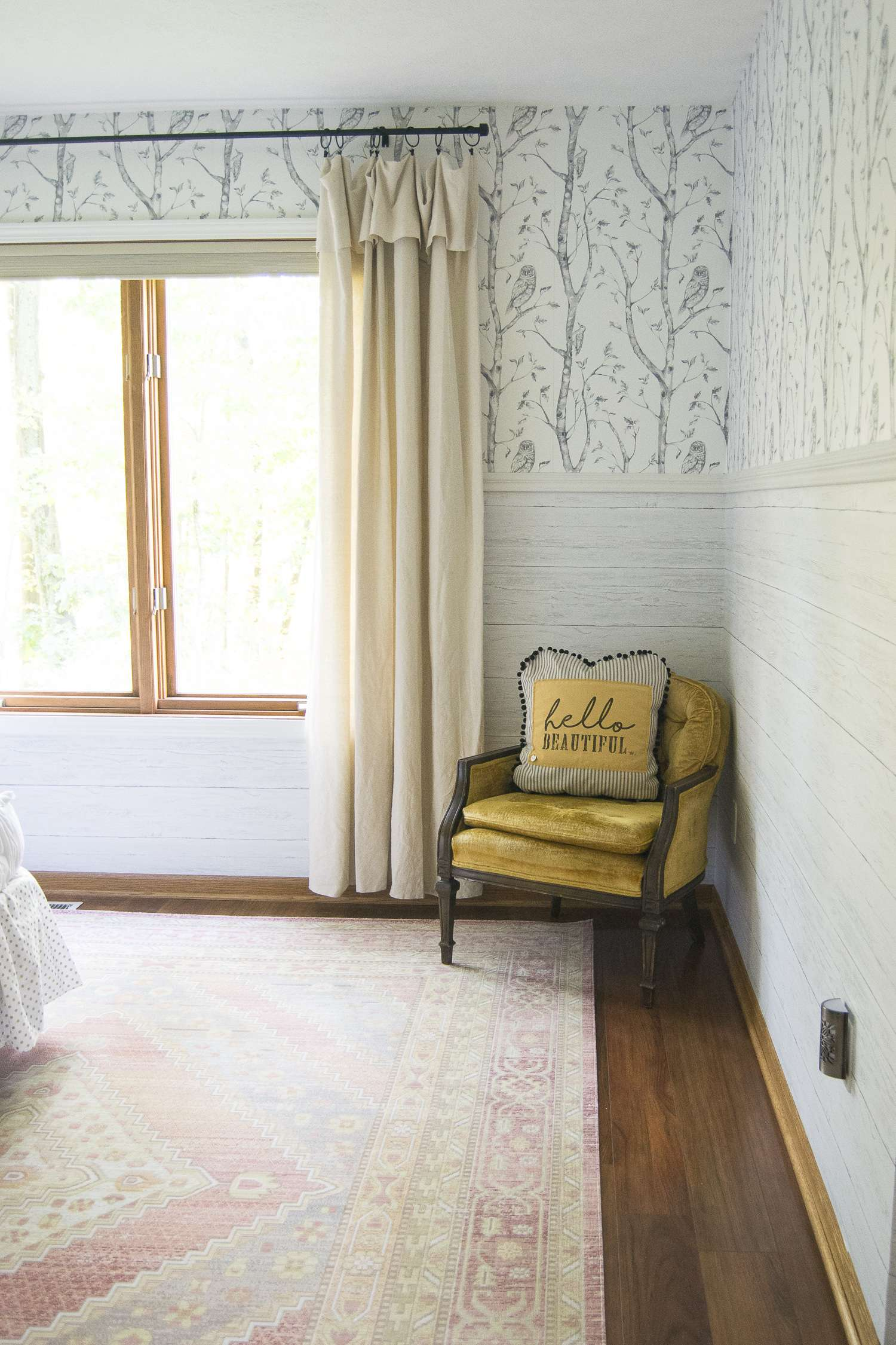 Do you love the look of wallpaper but dread installing it? Try peel and stick wallpaper! This removable wallpaper packs a punch for interior design.