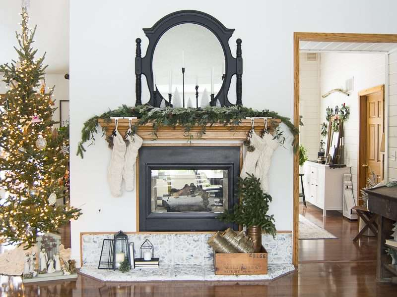 5 Christmas Mantel Decorating Tips