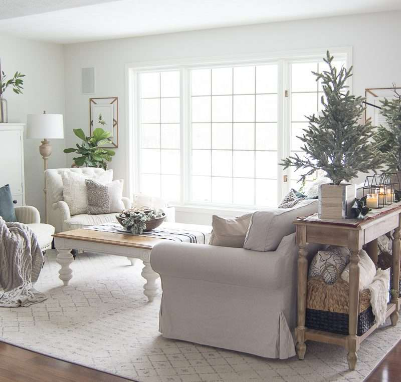 Transitional Decor | Christmas Decor That Transitions into the Winter Season