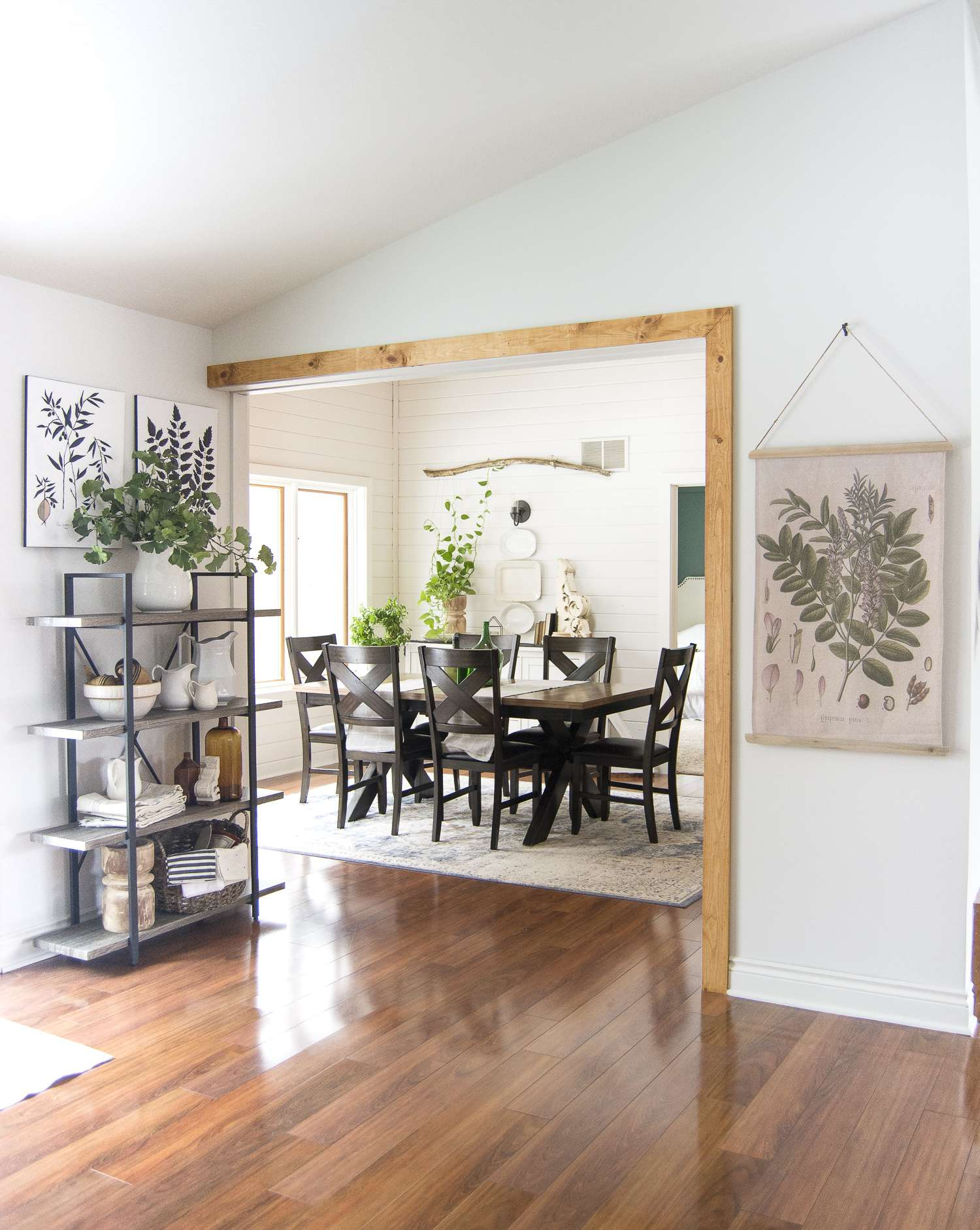 Are you looking for easy ways to transition your dining room from winter into spring? Here are my top three tips for transitional dining room decor ideas. #fromhousetohaven #diningroomdecor #springdecor #winterdecor