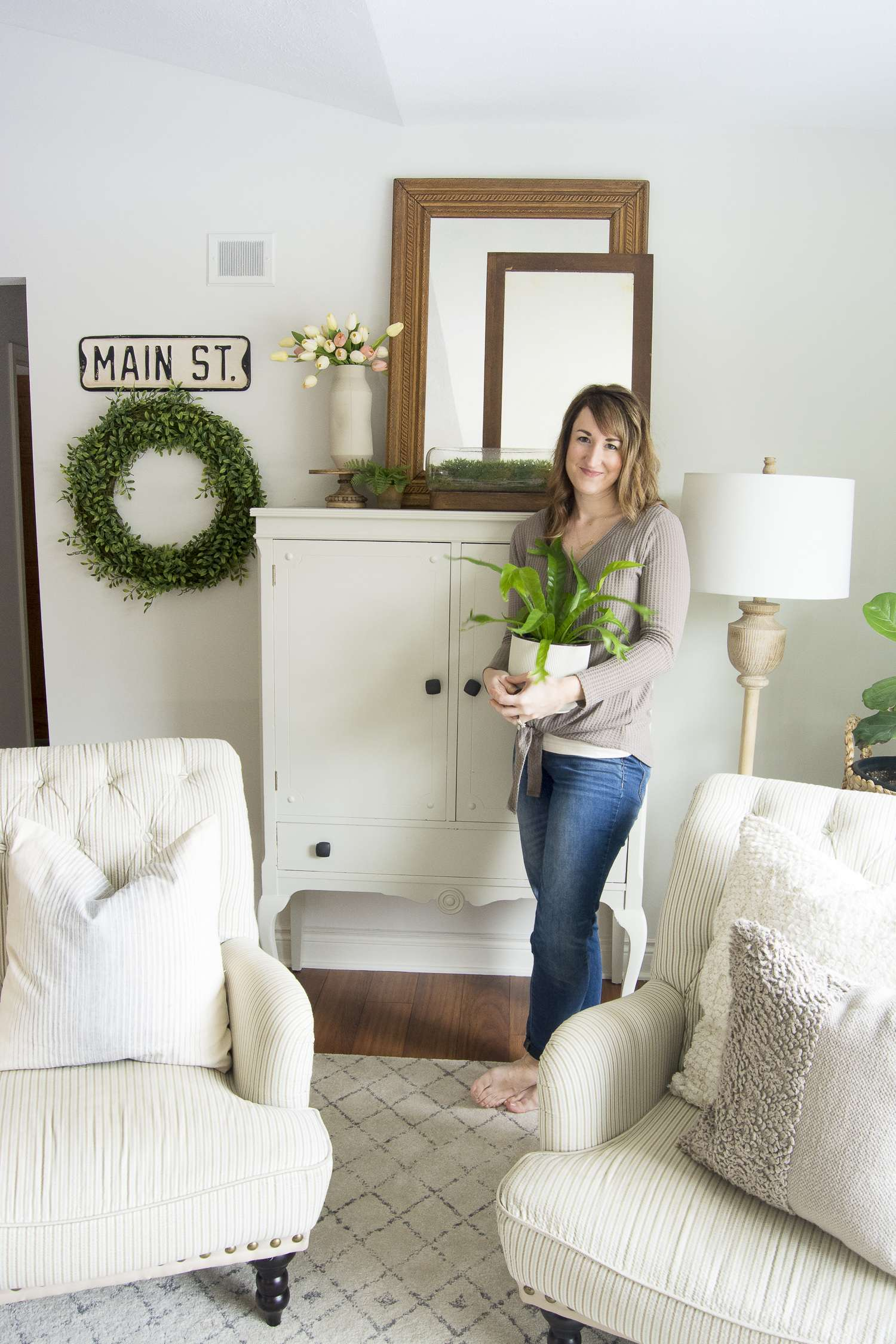 Do you need a change of pace but don't want to break the bank? Change your furniture layout! Today I'm sharing two ways to style farmhouse living room furniture! #fromhousetohaven #livingroomfurniture #livingroomdesign #plants