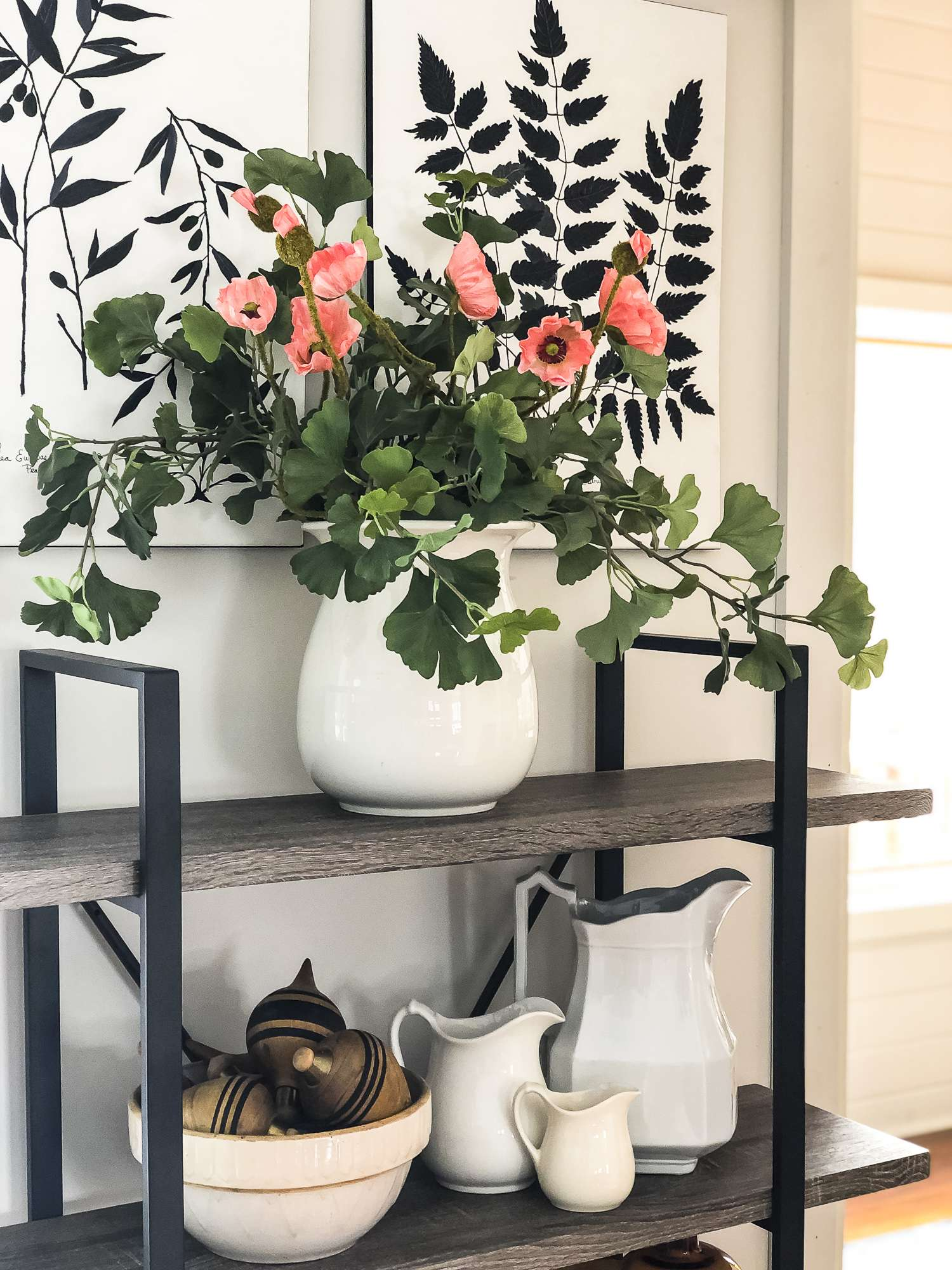 Do you wish to arrange faux flowers without having to stick to the traditional vase arrangement? Read 5 non-traditional ways to arrange faux flowers! #fromhousetohaven #fauxflowers #artificialflowers