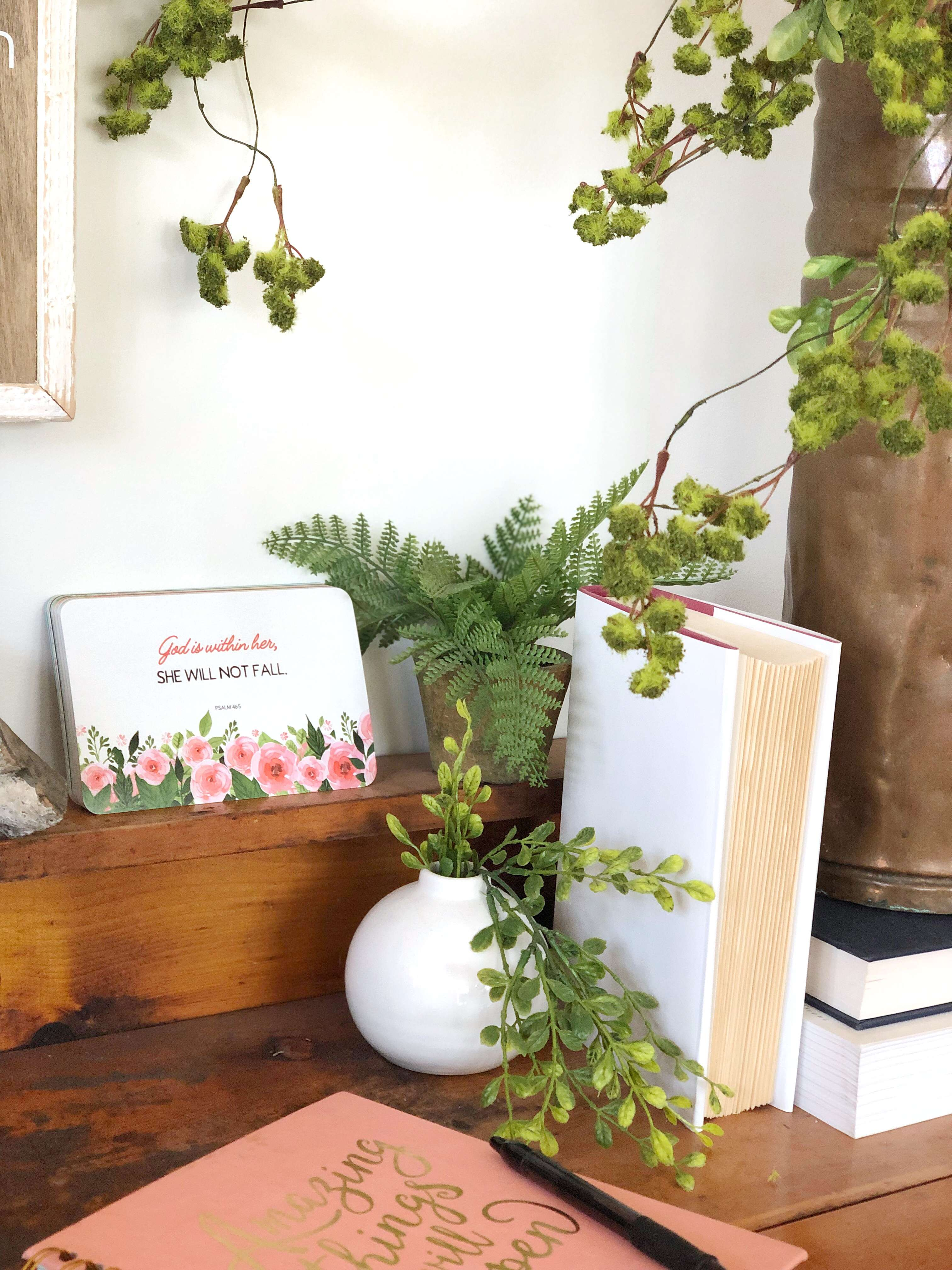 Are you looking for Mother's Day gifts for your wife, your mom, your grandma, or just a special woman? I'm sharing cute mother's day gift ideas today. #mothersday #giftguide #fromhousetohaven