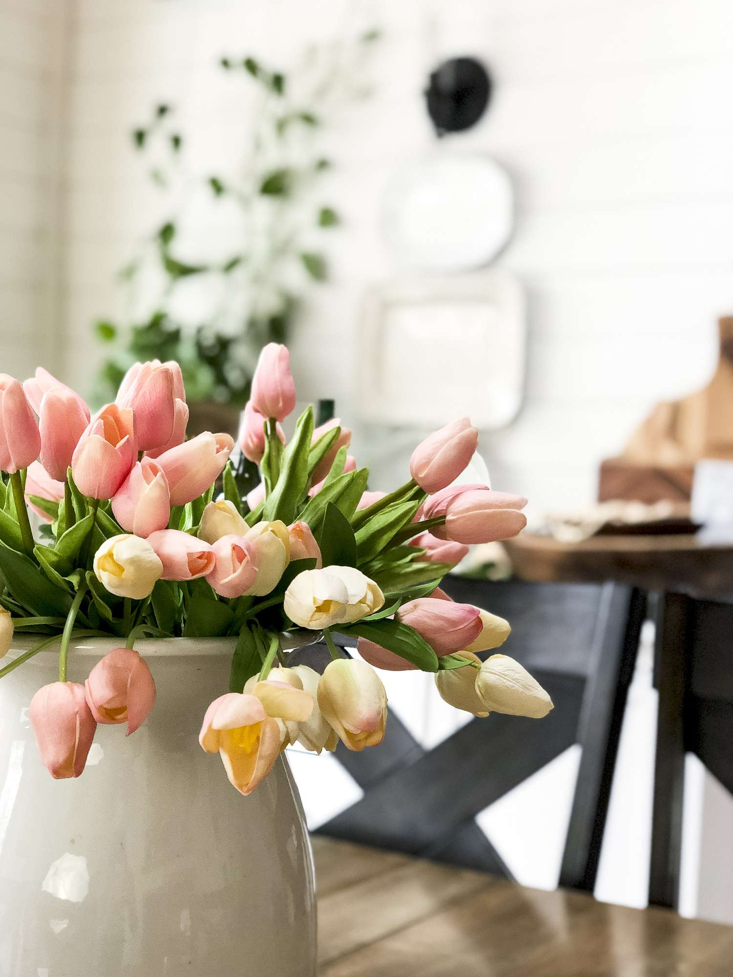 Are you looking for Mother's Day gifts for your wife, your mom, your grandma, or just a special woman? I'm sharing cute mother's day gift ideas today. #fromhousetohaven #mothersday #giftguide
