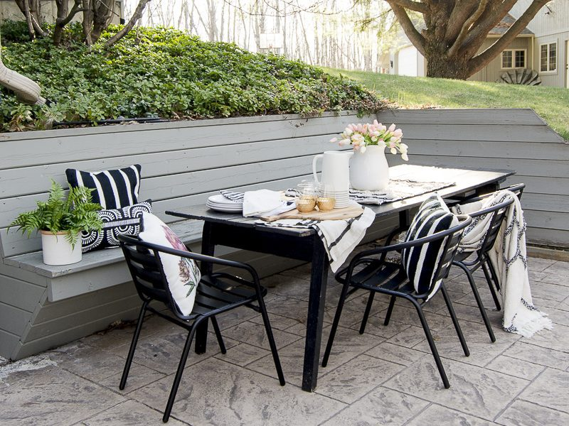 How to Style Your Back Patio for Entertaining