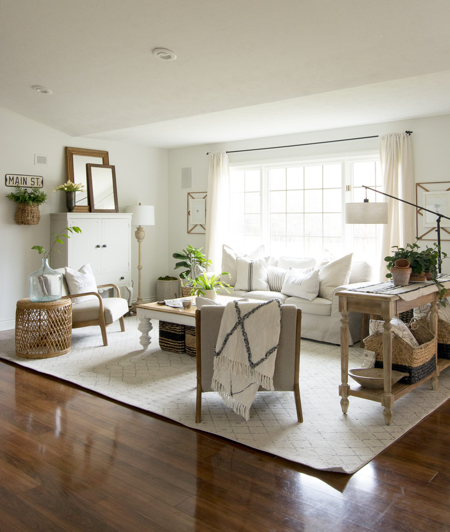 Modern Farmhouse Interior Design Style Guide