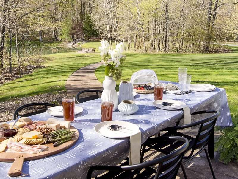 Backyard Party Must Haves for Easy Entertaining