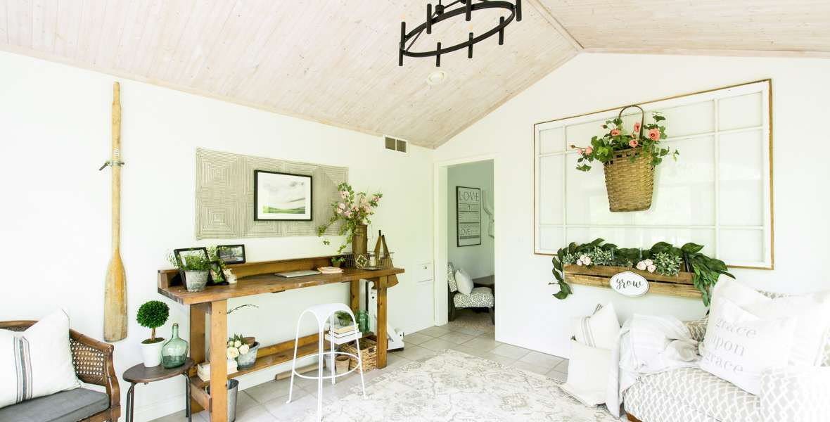 Are you looking for new ways to use vintage home decor in a modern home? I'll show you how to add touches of vintage for summer decor in my office/sunroom. #fromhousetohaven #vintagedecor #vintagehomedecor #officestyling