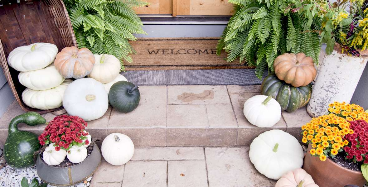 Seasonal front door decor is the simplest way to welcome guests to your home. Learn 3 tips for how to effortlessly style your front door decor for fall.