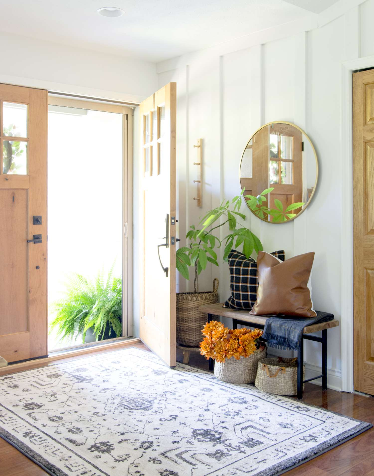 Fall decor for the entryway