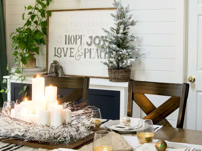 White and Gold Centerpieces As Christmas Table Decor