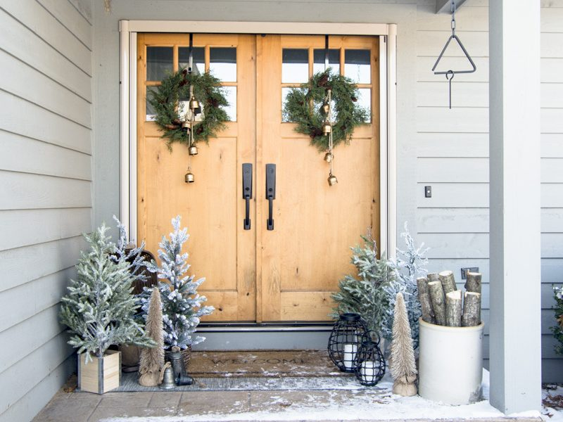 Front Porch Christmas Decorations | Tree Farm Style