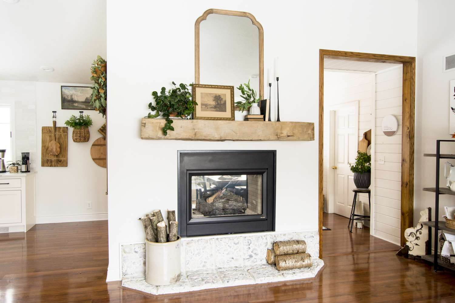 Modern Farmhouse Gas Fireplace Mantel Decor.