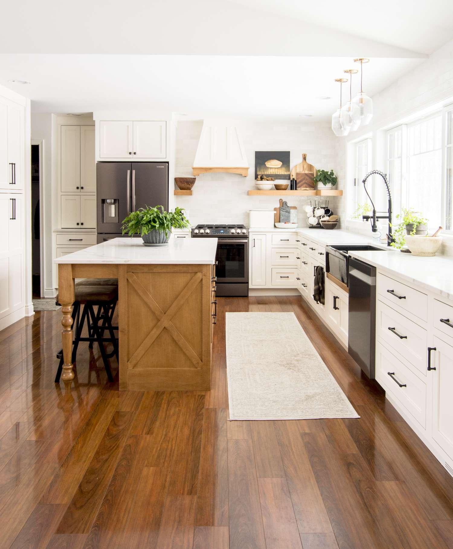 Modern farmhouse kitchen island design.