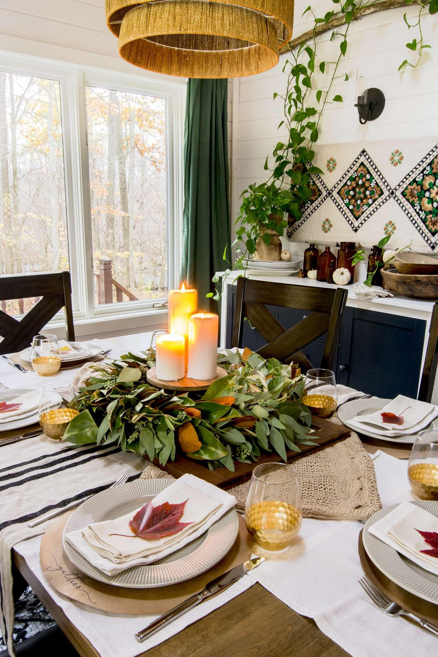 Fall table decor for Thanksgiving dinner.