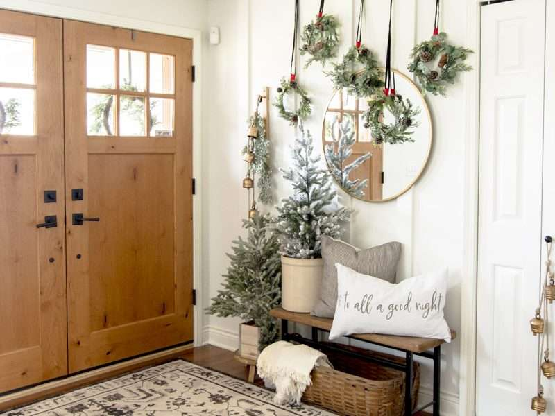 New Ideas for Traditional Christmas Decorations