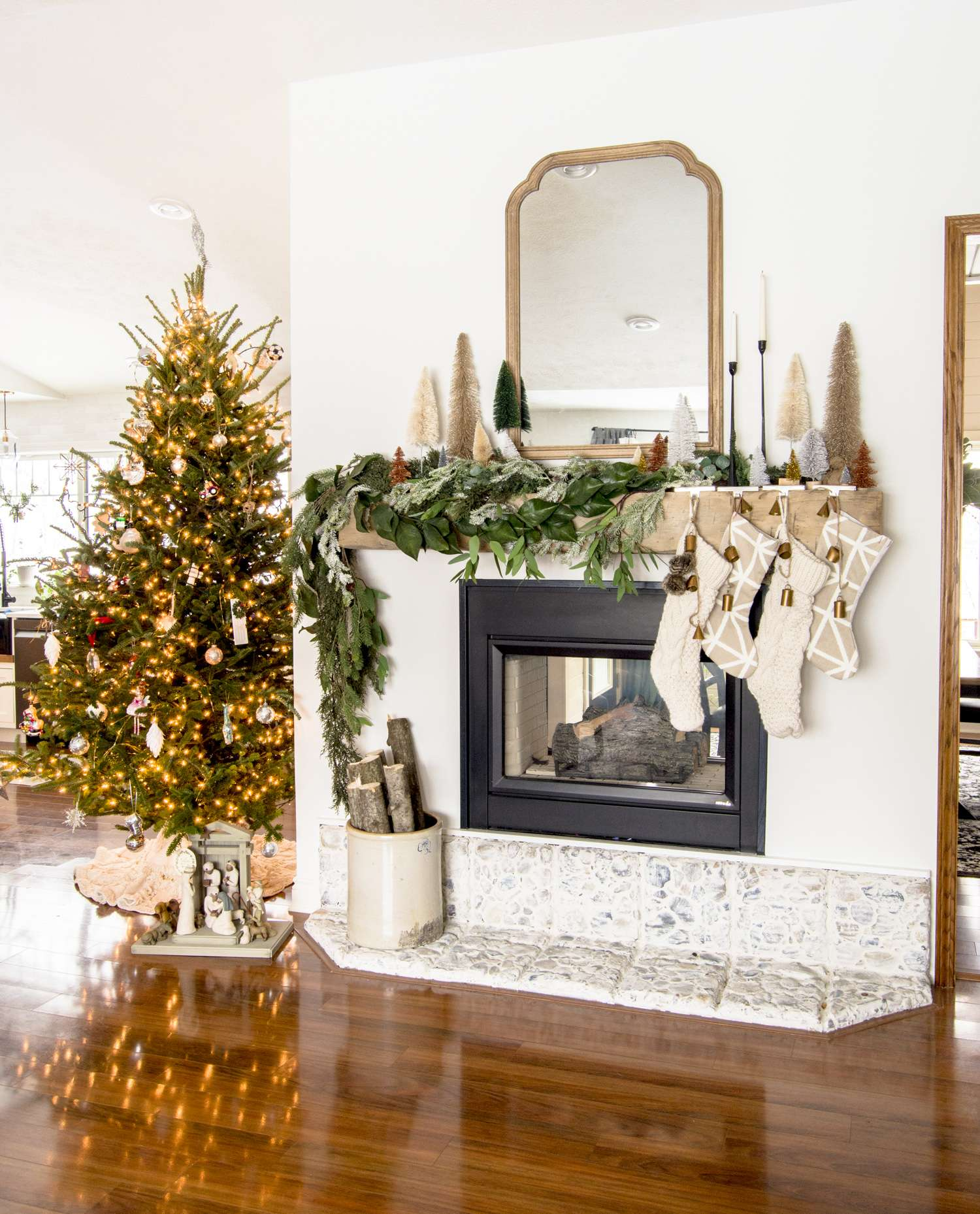 Family Christmas tree decor that is elegant and meaningful.