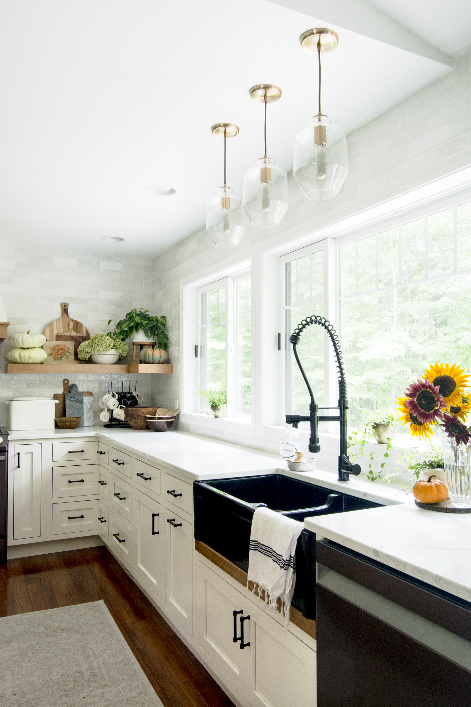 Fall home styling in a farmhouse kitchen.
