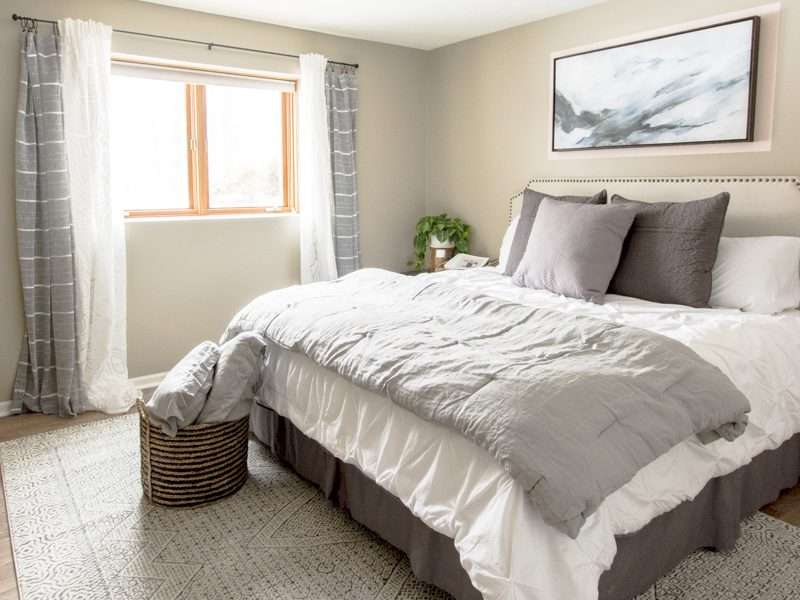 How to Create a Soothing Guest Bedroom with a Soft Color Palette