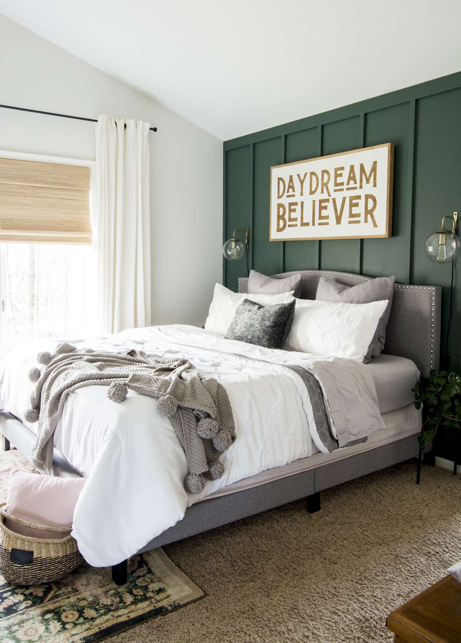 Modern farmhouse bedroom decor ideas.