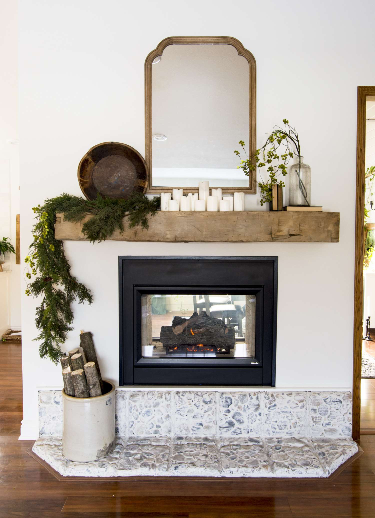 Modern rustic mantel decor ideas.