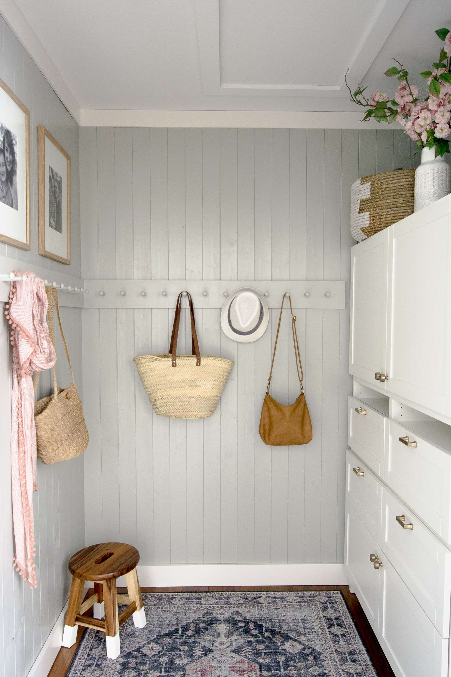 Small mudroom ideas for country living.