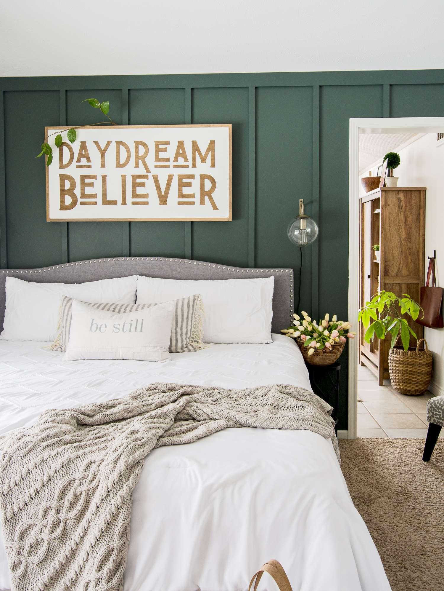 White bedding ideas.