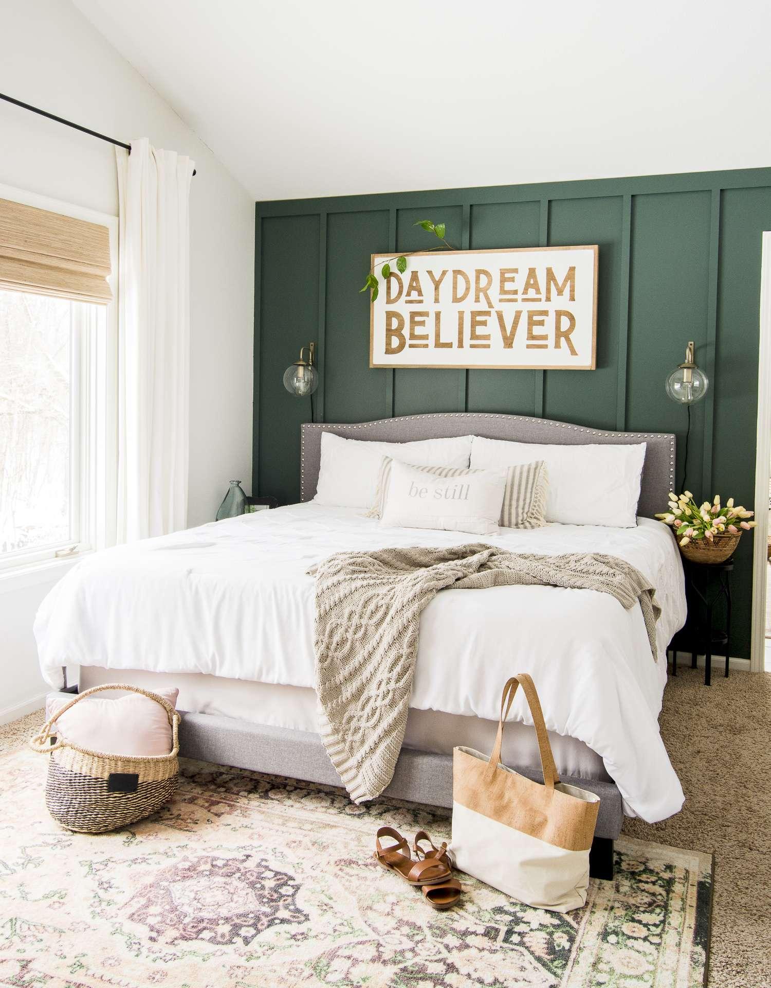 Daydream believer farmhouse sign decor.