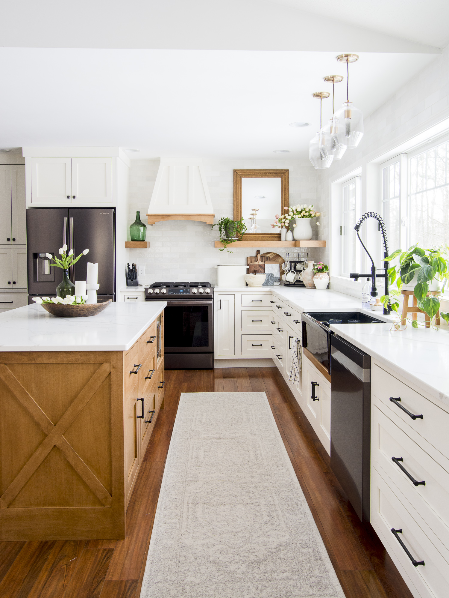 Spring kitchen decor ideas.