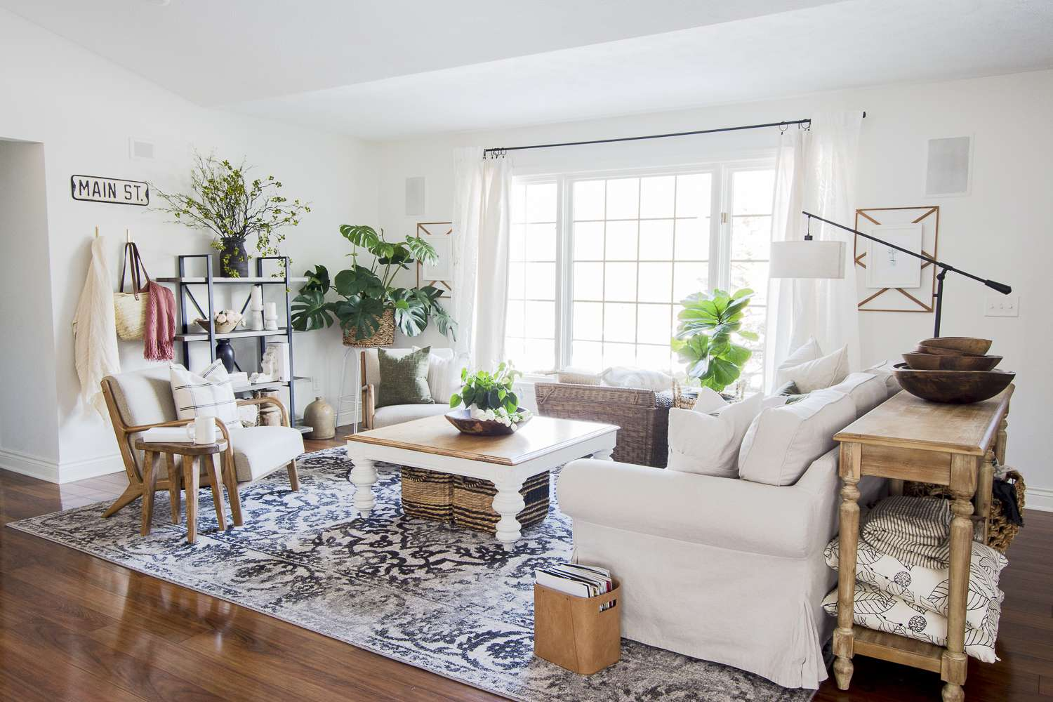 Spring decor ideas for modern farmhouse living.