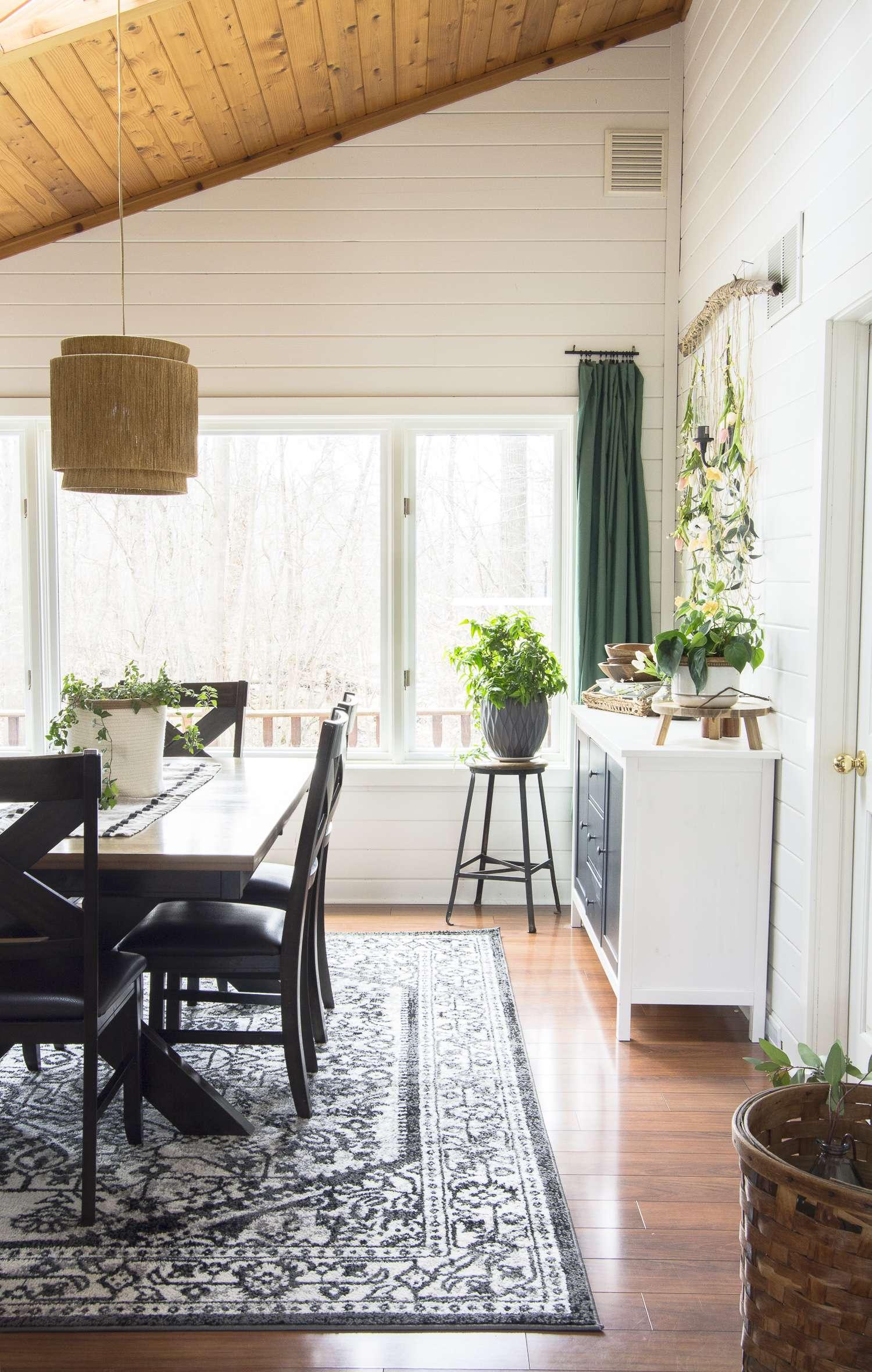 Spring dining room decor.