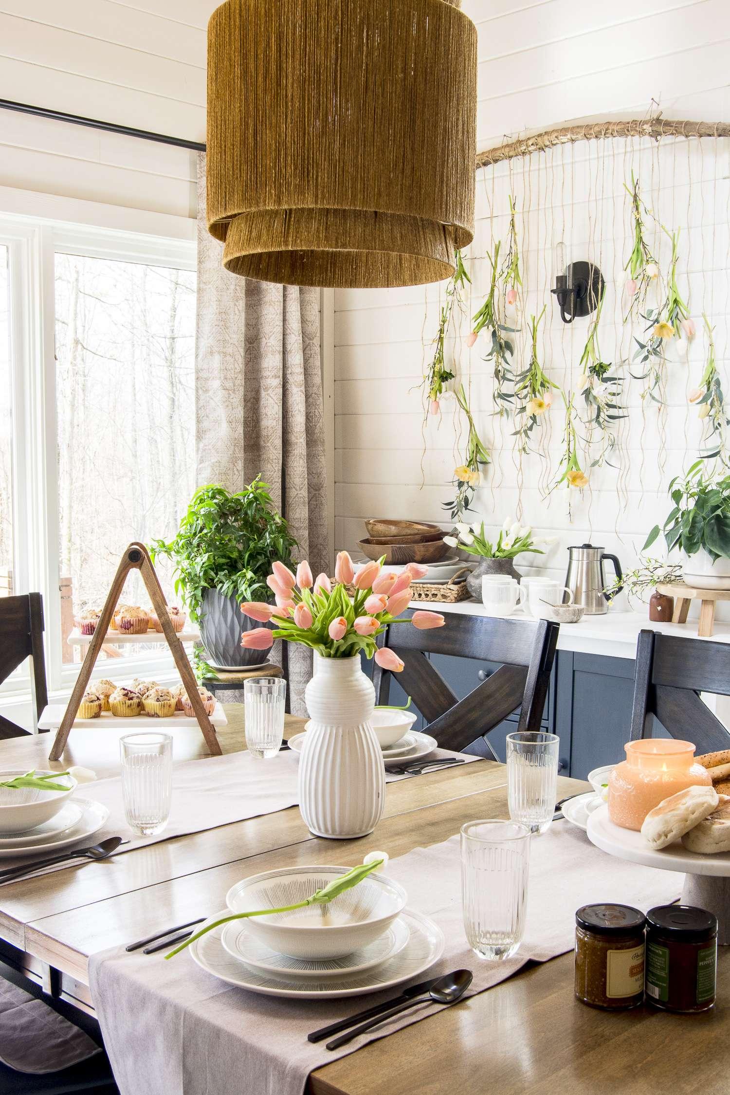 Simple floral arrangement centerpiece.