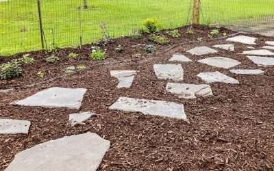 Flagstone is a beautiful choice for landscape pavers. Learn how to lay a flagstone pathway stepping-stone style with this easy tutorial.