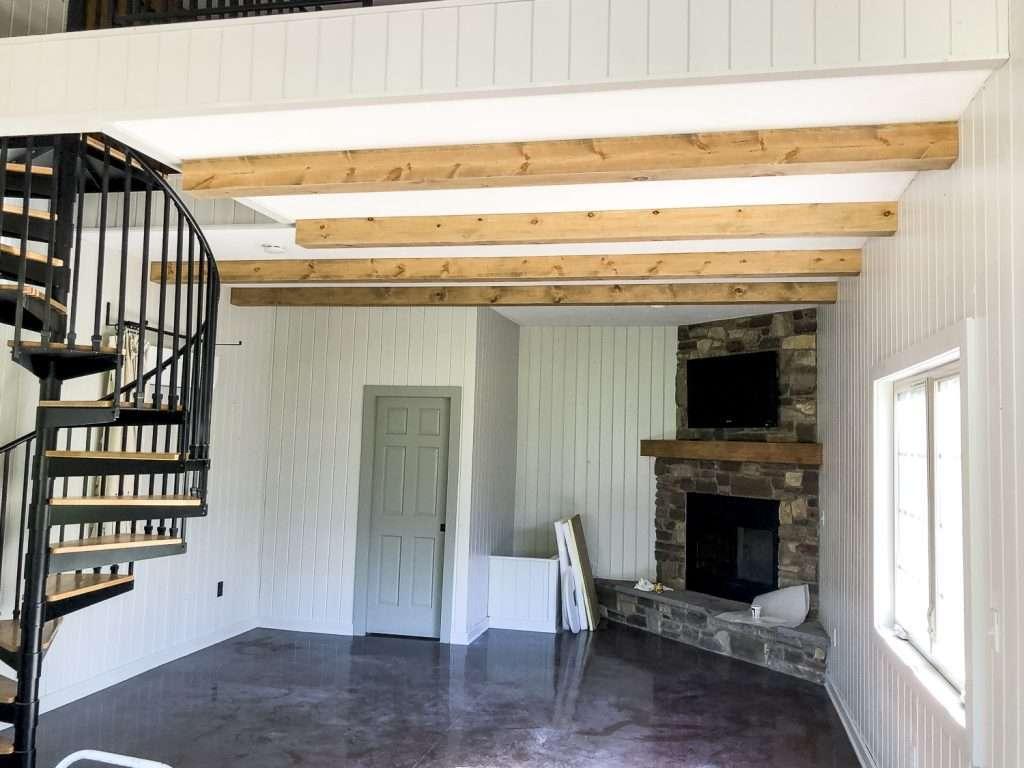 Wood ceiling beams.