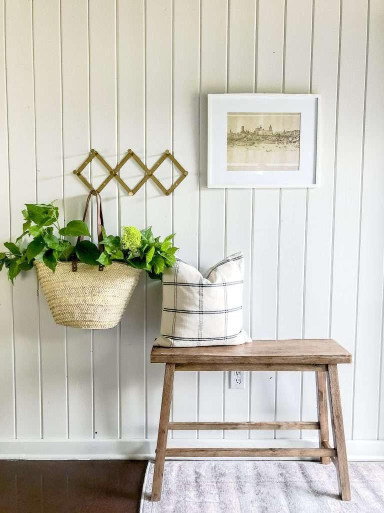 Rustic Modern Guesthouse Entryway