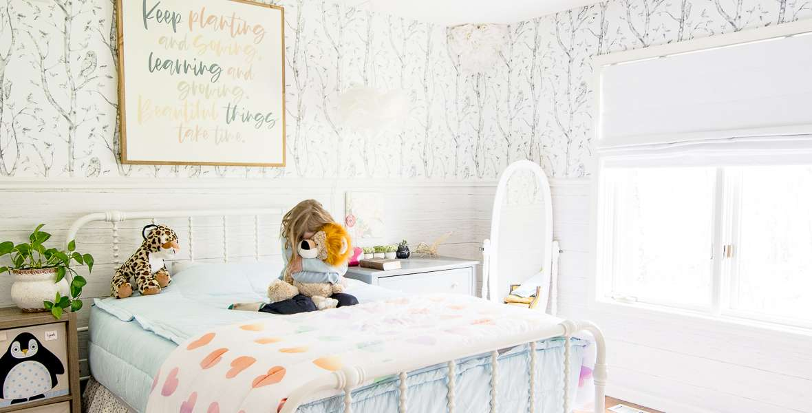 Decorating a Little Girl's Room with Zipper Bedding