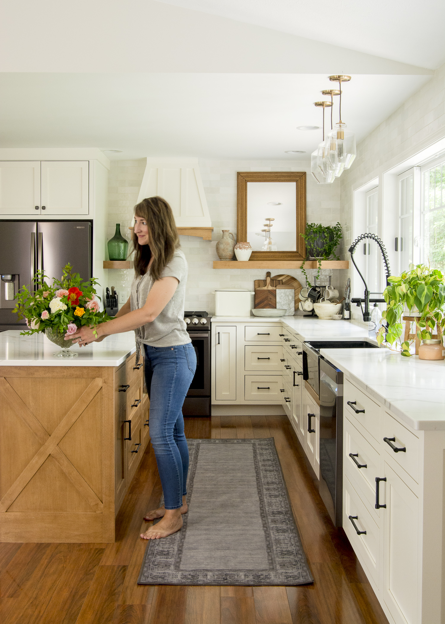 Modern farmhouse custom kitchen design.